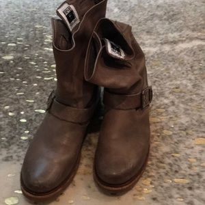 Size 6.5 light brown Frye mid calf  boots